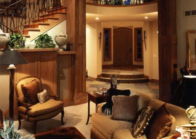 9-interior-entry