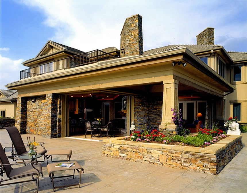 Colorado Classic outdoor living space